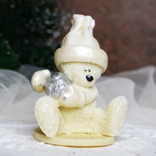 "Фигура шоколадная ""Медведь со снежком""  9 см 90 гр."