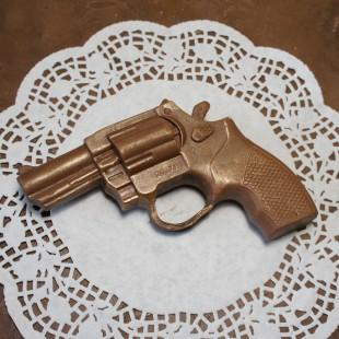 """Фигура шоколадная """"Револьвер"""" 15 см"""