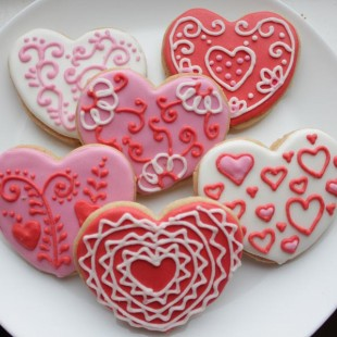 сердца-валентинки с росписью